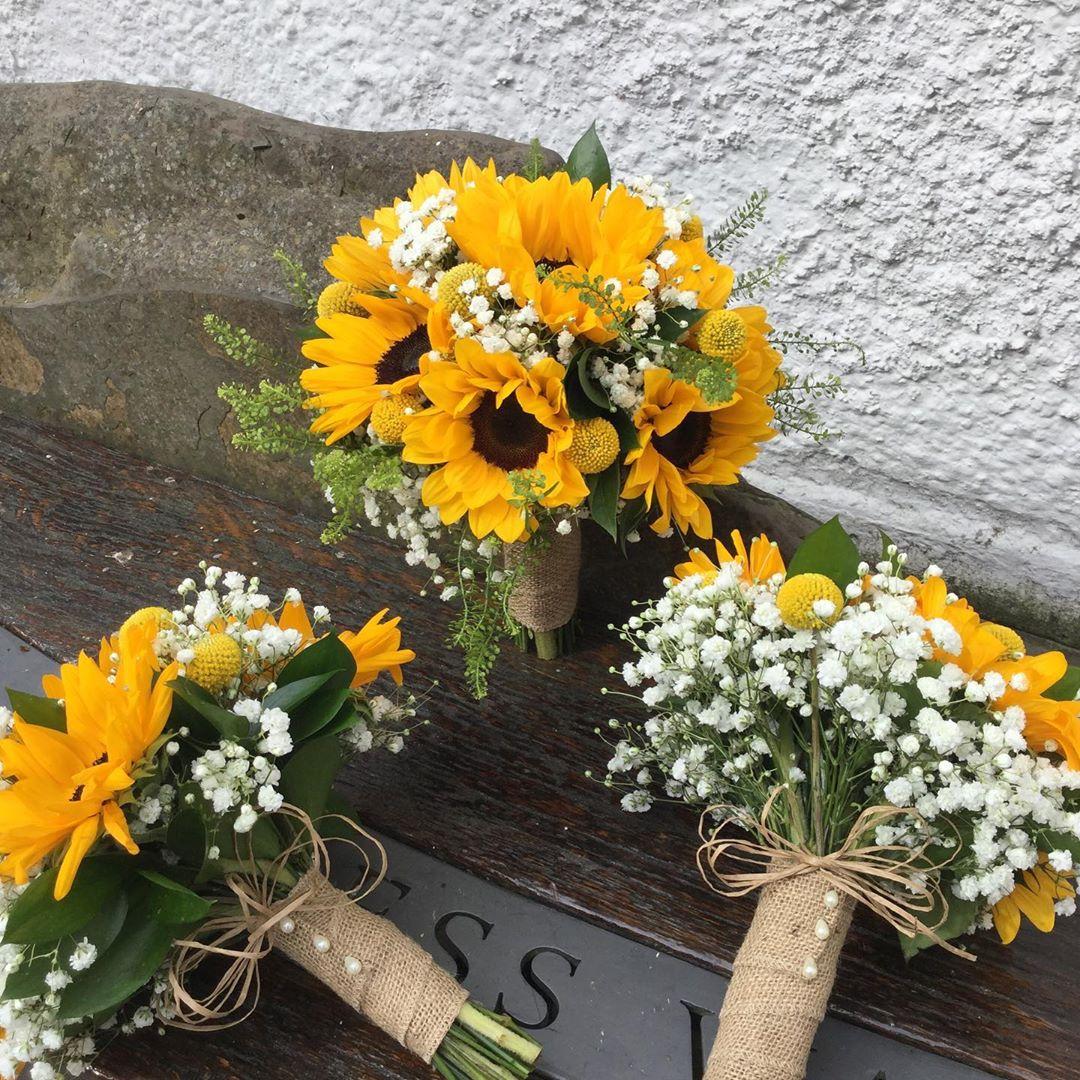 Lộng lẫy với hoa cưới hoa hướng dương dành cho các nàng dâu